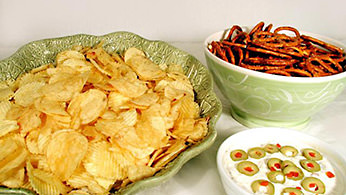 Potato chips, pretzels and dip